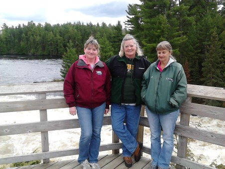kettle falls debbie, rosalyn and beth