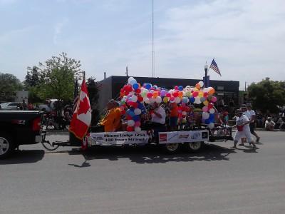i day parade baloons