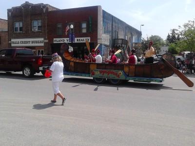 i day parade boat