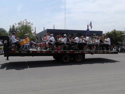 i day parade float 3