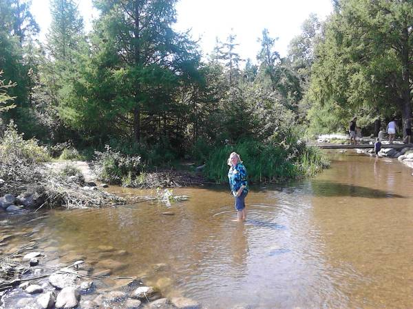 rosie across river