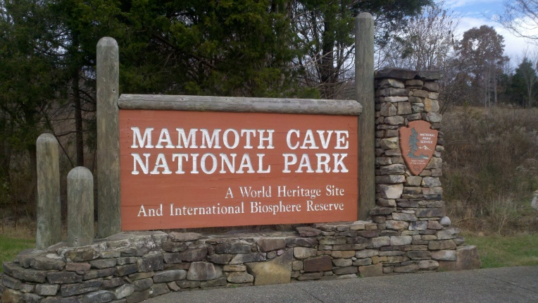 mammoth cave park sign