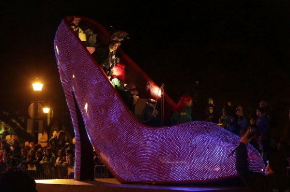 muses shoe float