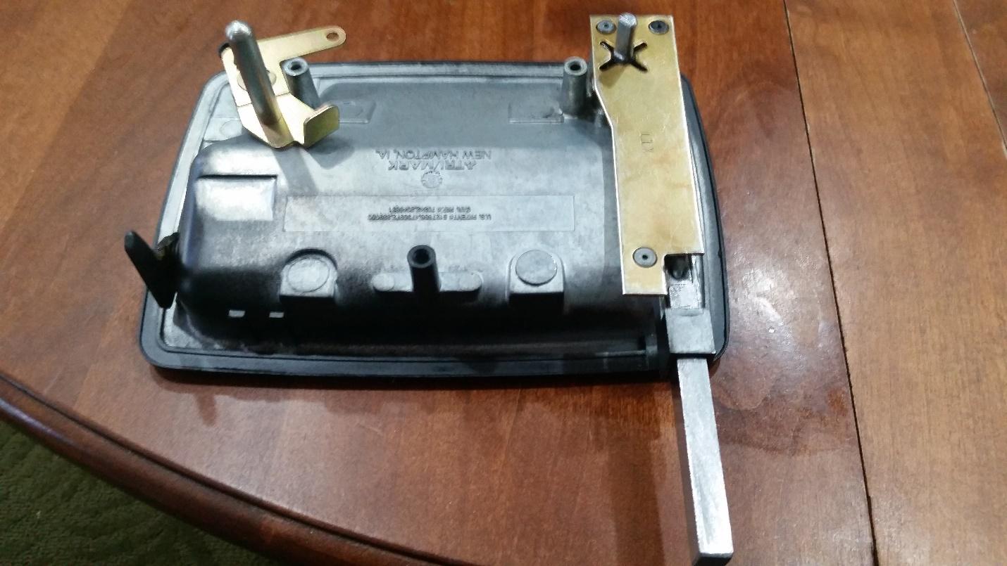 06 25 15 RV Entrance Door Lock Repair – TriMark 030-0900