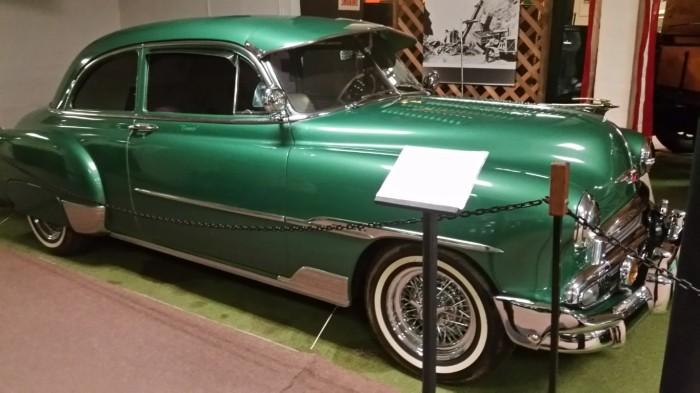 1951 Chevrolet Deluxe Coupe (Medium)