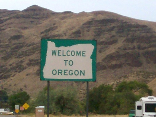 Oregon_welcome_sign