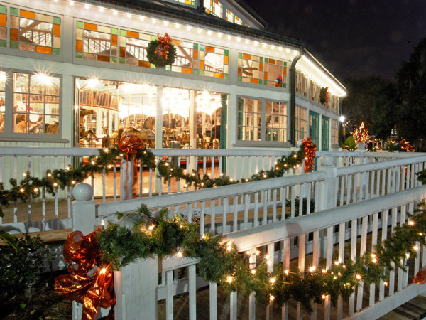 z et-carousel-city-park-christmas-oaks-2014jpg-60571ab9a6579370