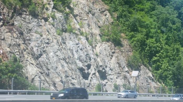 rock mountain in new york