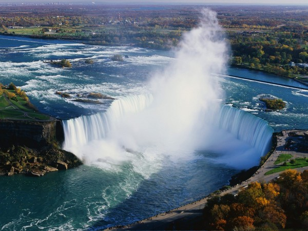 Beautiful-View-of-Niagara-Falls-600x450