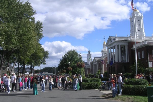 Avenue_of_States,_The_Big_E,_West_Springfield_MA